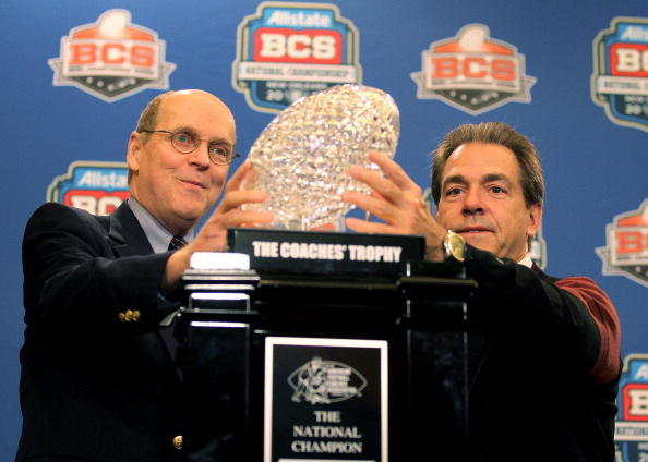 Bill Hancock presents trophy to Nick Saban