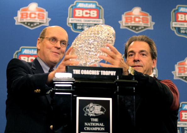Bill Hancock presents trophy to Nick Saban