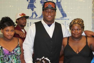 Reuben Foster Commits to Auburn